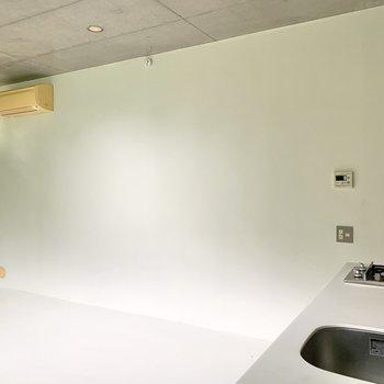 【LDK】インテリアはアイアン素材にすれば、よりカフェ風な空間に。