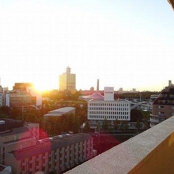ちょうど夕日が見えました。きれいだーーー!※前回募集時の写真です