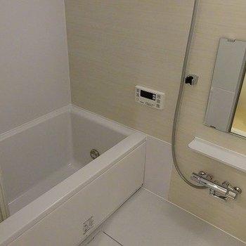 ピカピカの浴室は気持ちが良いですね。※前回募集時の写真です