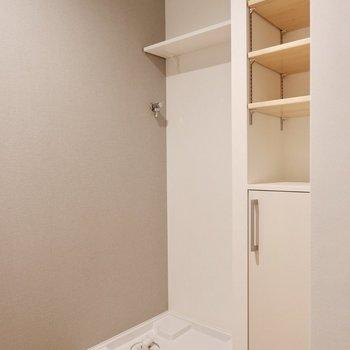 洗濯機置き場も廊下にあります