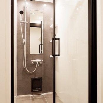 上品な雰囲気のシャワールーム