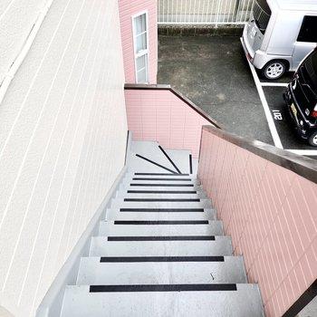 お部屋は2階でアクセスは階段のみですが、上り下りはしやすいのでご安心を。
