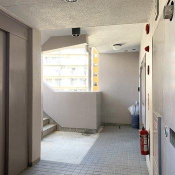 1フロアに2住戸の全室角部屋なマンションです。