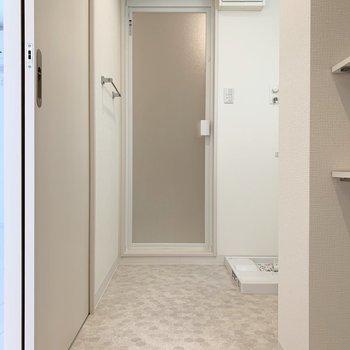 洗面トイレは同じ空間ですが、 広さがあるので気になりません(※写真は3階の同間取り別部屋のものです)