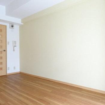 ナチュラルな家具もグリーンも似合いそう♡(※写真は3階の同間取り別部屋、清掃前のものです)