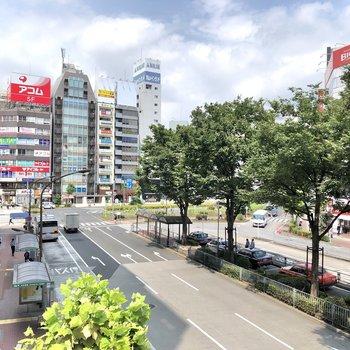 日常の外食やお買い物は、駅周辺で済ませられます。