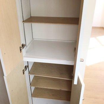シューズボックスもゆったり可動棚。たくさん収納できそうです。(※写真は5階の同間取り別部屋のものです)