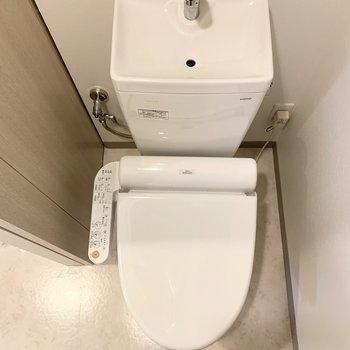 バス・トイレ別(※写真は4階の反転間取り別部屋のものです)