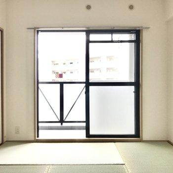 お布団をしいてまったりしたいなぁ♩(※写真は7階の同間取り別部屋、モデルルームのものです)