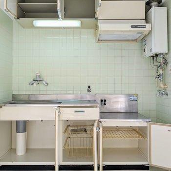 収納スペース沢山のキッチンです。