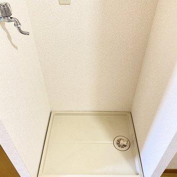 室内洗濯機置場も助かる〜!脱いだらポイができる。