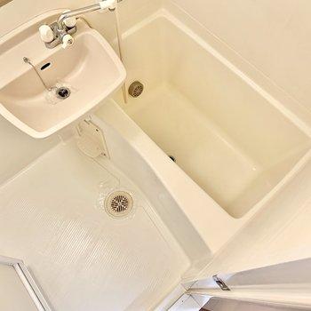 バスルームは2点ユニット。掃除はまとめてできますよ。