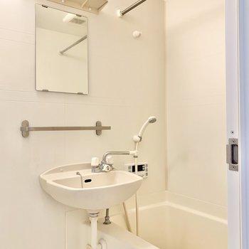 浴室乾燥付きです。便利ですよ。