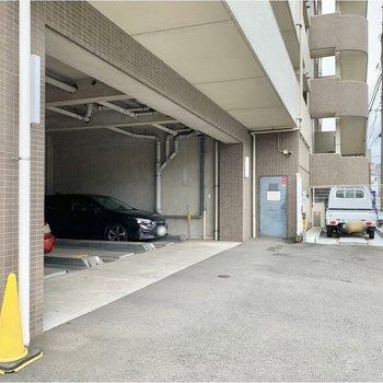 駐車場もありました。