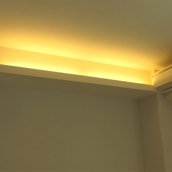 天井のライトが時に優しい、、、◎(※写真は5階の同間取り別部屋のものです)