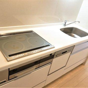 食洗機付きなら家事もサクサク!ストレスフリー◯(※写真は5階の同間取り別部屋のものです)