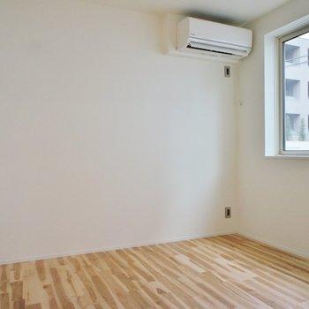 こっちは寝室に。※写真は1階の同間取り別部屋のものです