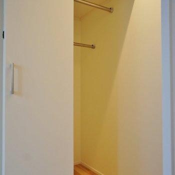収納はここと※写真は1階の同間取り別部屋のものです