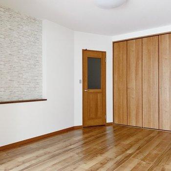 ベットやソファなど、大きめ家具も置けます◎