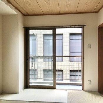 【和室】南向きの温かいお部屋です。