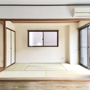 【LDK】お隣には6帖ほどの和室が。