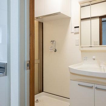 洗濯機置き場も脱衣所にあります。