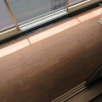 バルコニーは普通サイズ(※写真は3階の同間取り別部屋のものです)