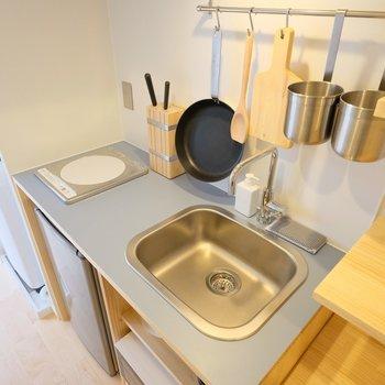 キッチンもリノベで清潔に!※キッチン小物はモデルルーム用です