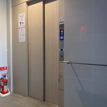 エレベーターがあるので家具の運び入れもスムーズに。