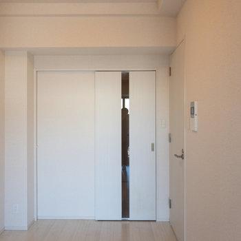 スッキリした内装で清潔感があります※写真は6階の同間取り別部屋のものです