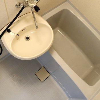 お風呂は2点ユニットになっています。お掃除らくらくですね。