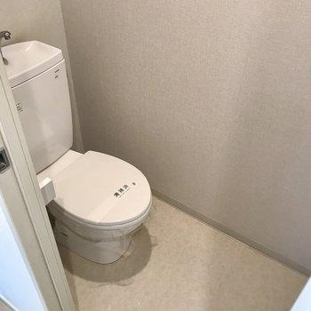 トイレにはコンセントがあるのでウォシュレット持込みも相談可◯