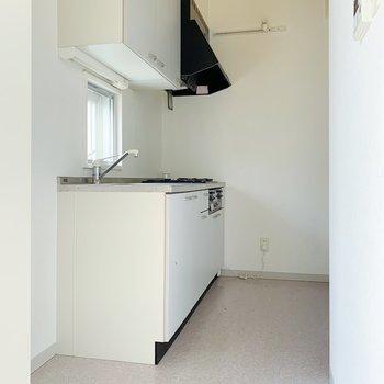 こちらも3帖あるので、冷蔵庫はもちろんワゴンや食器のラックも置けそう!(※写真はクリーニング前のものです)