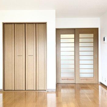 木製の家具が合いそうです。
