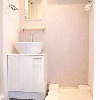 シンプルでデザイン性のある洗面台です。