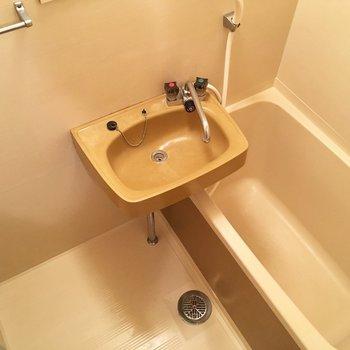 2点ユニットでお掃除が楽ちん。(※写真は1階の同間取り別部屋のものです)