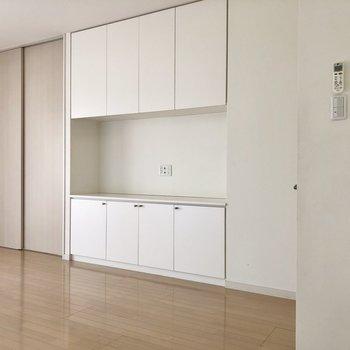 【LD】あの台にテレビが置けちゃう。テレビ台を買わなくてもいいんです。※写真は1階の同間取り別部屋のものです