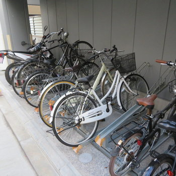 自転車を置きたい方はこちらに
