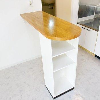 こちらはカウンター。調理台としても使えそうです。