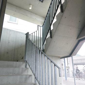 当然、階段だって。