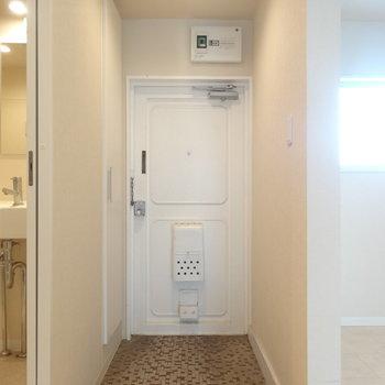 玄関はタイルが個性的※写真は前回募集時のものです