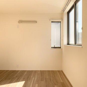 【洋6.1】1番奥には6.1帖の洋室が。(※写真は3階の同間取り別部屋のものです)