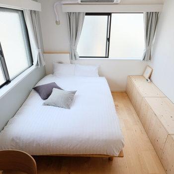 ベッドはダブルサイズ!ゆったりと眠りにつけそう