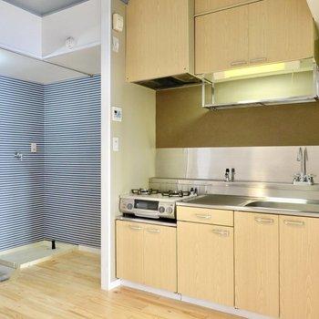 既存利用のキッチンですが、とっても綺麗にされています。