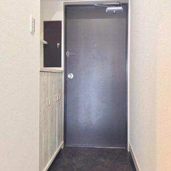 玄関にもこだわりは抜かりなく。
