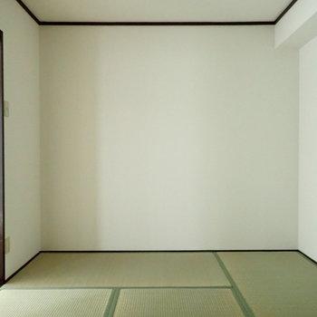 和室は窓がないので、朝までぐっすりできそう。