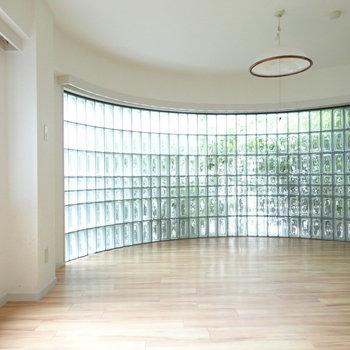洋室にはガラスブロック!
