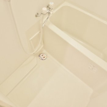 お風呂はシンプルに。※写真は6階別部屋のもの