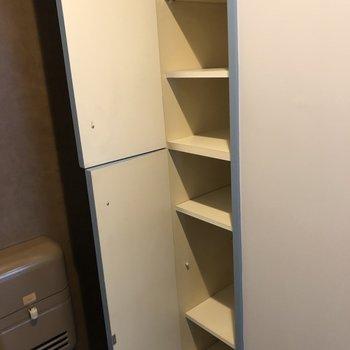 シューズボックスは納得の大容量!上下で2段に分かれています。