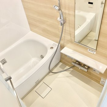 シャワースペースもゆったりめ。